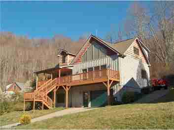 7 Constitution Avenue in Waynesville, NC 28785 - MLS# 3158811