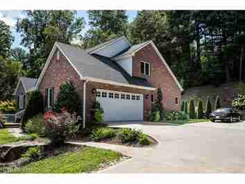 318 Scarlet Tanager Court in Arden, North Carolina 28704 - MLS# 3236985