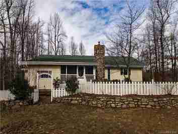 135 Cardinal Haven Lane in Hendersonville, NC 28739 - MLS# 3240230