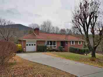 18 Ridgefield Place in Asheville, North Carolina 28803 - MLS# 3240489