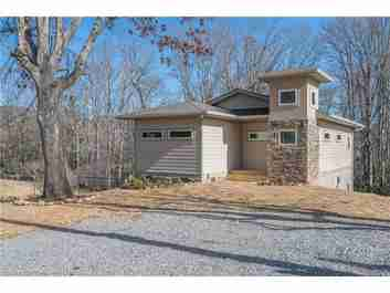406 S Oconeechee Avenue in Black Mountain, North Carolina 28711 - MLS# 3242014