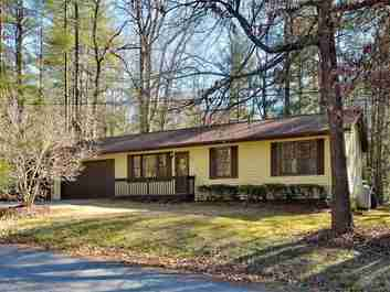 103 Sunset Drive in Hendersonville, North Carolina 28791 - MLS# 3251743