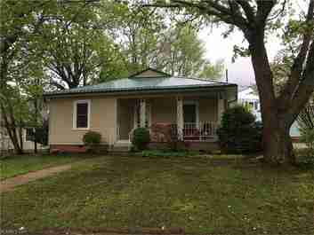 122 Edwards Avenue in Swannanoa, NC 28778 - MLS# 3274447