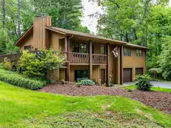 15 Poplar Court in Hendersonville, North Carolina 28792 - MLS# 3287582