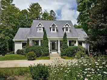 302 Red Fox Circle in Asheville, NC 28803 - MLS# 3288541