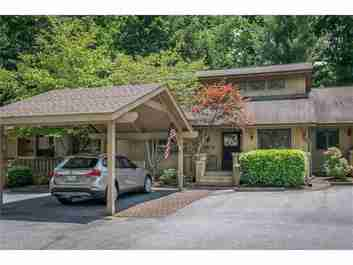 304 Laurel Oak Lane #304 in Hendersonville, NC 28791 - MLS# 3292255