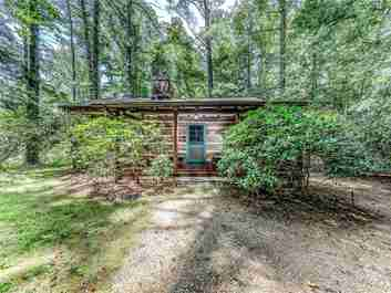 33 Hilltop Road in Biltmore Forest, NC 28803 - MLS# 3306686