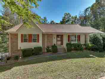 543 Hunters Glen Lane in Hendersonville, North Carolina 28739 - MLS# 3330325