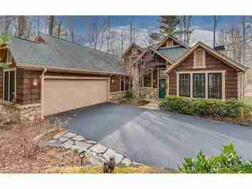 201 Claridge Way in Hendersonville, NC 28739 - MLS# 3343496