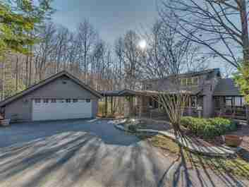 6 Wild Ivy Run in Hendersonville, NC 28739 - MLS# 3350537