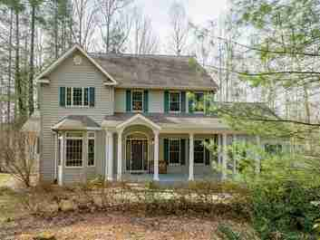 25 Sultana Drive in Hendersonville, North Carolina 28739 - MLS# 3355582