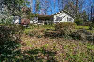 2816 Hampton Drive in Hendersonville, North Carolina 28791 - MLS# 3358000
