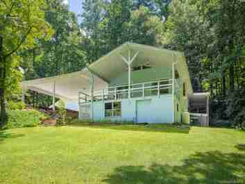 3138 Old Ccc Road in Hendersonville, North Carolina 28739 - MLS# 3365139