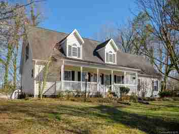 2122 Rugby Road in Hendersonville, NC 28791 - MLS# 3367811