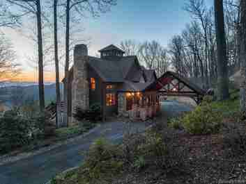501 Abingdon Way in Asheville, North Carolina 28804 - MLS# 3372647