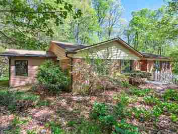 35 Hunters Lane in Hendersonville, NC 28791 - MLS# 3386126