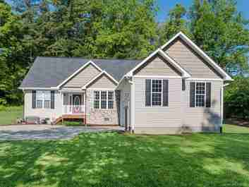 117 North Springs Drive in Hendersonville, NC 28791 - MLS# 3391519