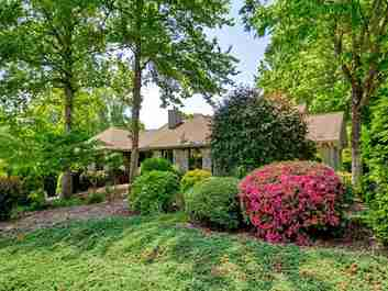 41 Fox Valley Court in Hendersonville, North Carolina 28791 - MLS# 3392591