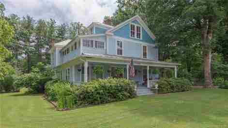 102 Terry Estate in Black Mountain, NC 28711 - MLS# 3403140