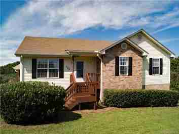 109 Hawk Meadow Drive in Hendersonville, NC 28792 - MLS# 3428074