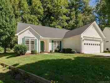 134 Stonehollow Road in Fletcher, North Carolina 28732 - MLS# 3443827