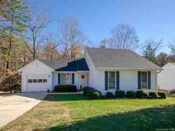 2 Primrose Lane in Asheville, North Carolina 28805 - MLS# 3452790