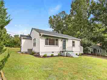 82 Selwyn Road in Asheville, NC 28806 - MLS# 3456365