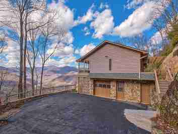 105 Eagle Roost Road in Maggie Valley, North Carolina 28751 - MLS# 3468670