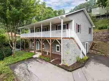 131 Fenner Avenue in Asheville, NC 28804 - MLS# 3469156