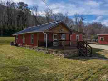 206 Martin Road in Swannanoa, North Carolina 28778 - MLS# 3473121