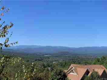 000 Crystal Heights Drive #22 in Hendersonville, North Carolina 28739 - MLS# 3474982