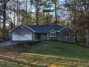 30 Mallard Trail in Hendersonville, NC 28792 - MLS# 3488866