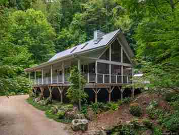 283 The High Road in Waynesville, NC 28786 - MLS# 3489146
