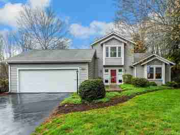 6 Laurel Place Drive in Asheville, NC 28803 - MLS# 3494000