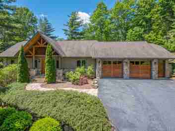 174 Chattooga Run in Hendersonville, NC 28739 - MLS# 3495820