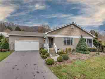 84 Cottage Loop in Waynesville, NC 28785 - MLS# 3496883
