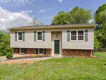 420 Glenwood Drive in Clyde, NC 28721 - MLS# 3506078