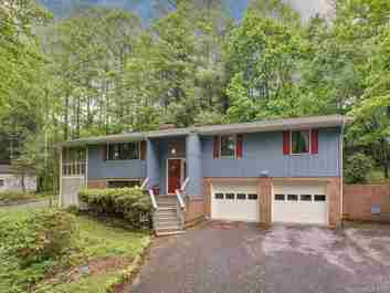 210 Mockingbird Drive in Hendersonville, NC 28792 - MLS# 3506853