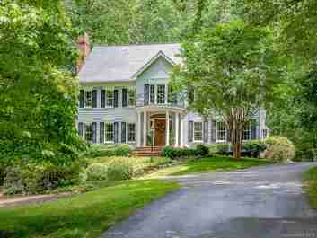 10 Stuyvesant Crescent in Biltmore Forest, NC 28803 - MLS# 3513473
