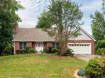 4 Teaneck Trail in Hendersonville, North Carolina 28791 - MLS# 3518865