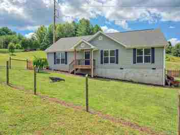 47 Crestview Street in Canton, North Carolina 28716 - MLS# 3519047
