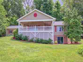 100 Banbury Court in Waynesville, NC 28786 - MLS# 3521560