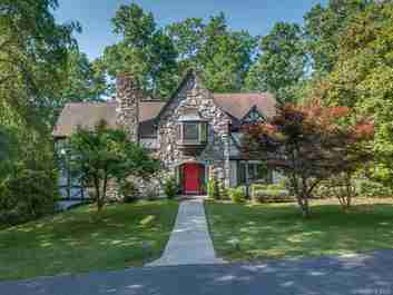 70 Fair Oaks Drive in Hendersonville, NC 28791 - MLS# 3523723