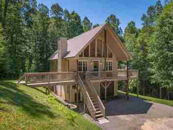 180 Morning Sun Lane in Green Mountain, North Carolina 28740 - MLS# 3524943