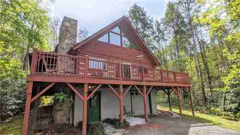 7 Woodcliff Trail in Black Mountain, NC 28711 - MLS# 3529802