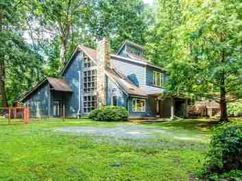 215 Shady Summit Road in Hendersonville, North Carolina 28792 - MLS# 3529807