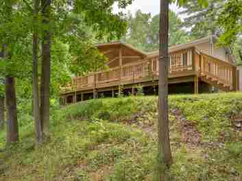 285 Wispy Willow Drive in Waynesville, NC 28785 - MLS# 3530169