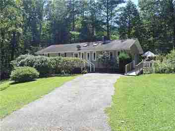 150 Chickadee Trail in Hendersonville, NC 28792 - MLS# 3541580