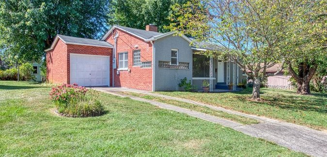 Image of 4 Johnson Drive in Canton, NC 28716 - MLS# 3546257