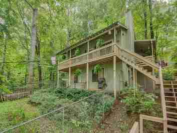 105 Shirley Drive in Maggie Valley, NORTH CAROLINA 28751 - MLS# 3547818
